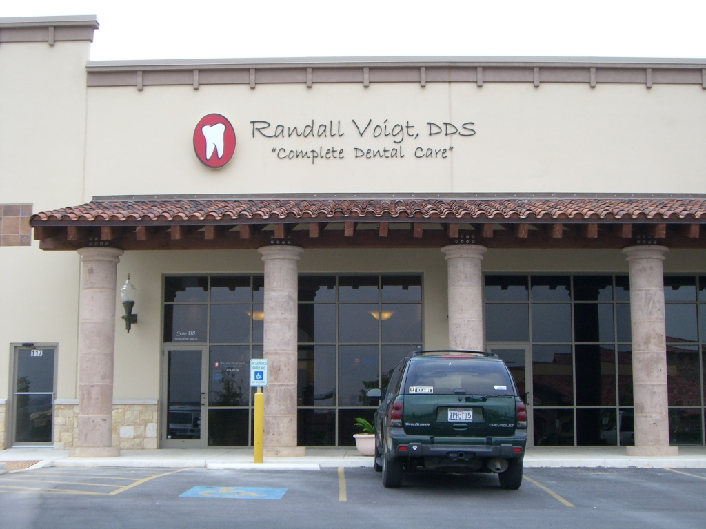Welcome to Randall Voigt, DDS in San Antonio