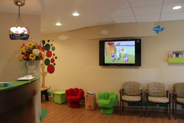 Picture of East Garden City dental office waiting room - another angle