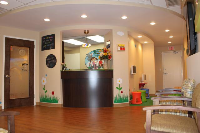 Picture of the waiting room at Pediatric Dentistry of Garden City