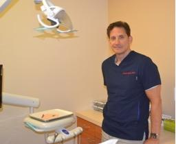 Dr. Spero in the dental office at Pasadena Smiles. We provide patients with excellent dental care in the 91107 area. Call us today to schedule an appointment!