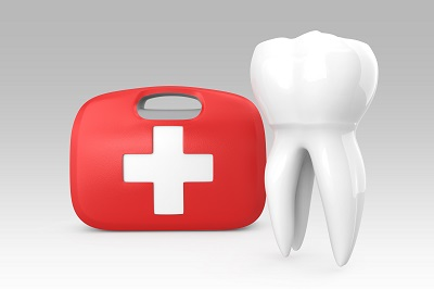 3D teeth and first aid kit