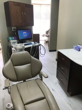 patient chair at imagine dental group in vista
